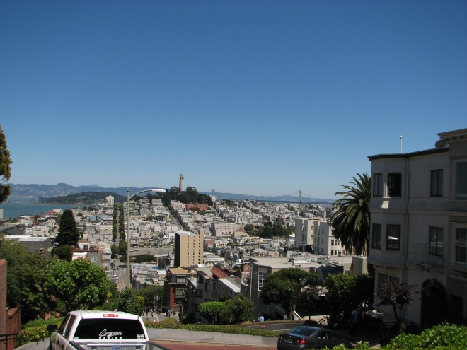 A picturesque view from the winding Lombard St, Nob Hill.